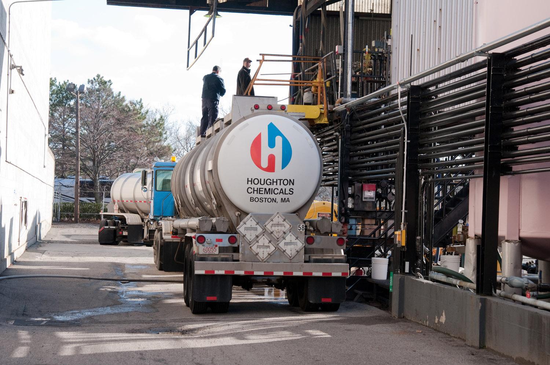industrial photo of contrainer truck